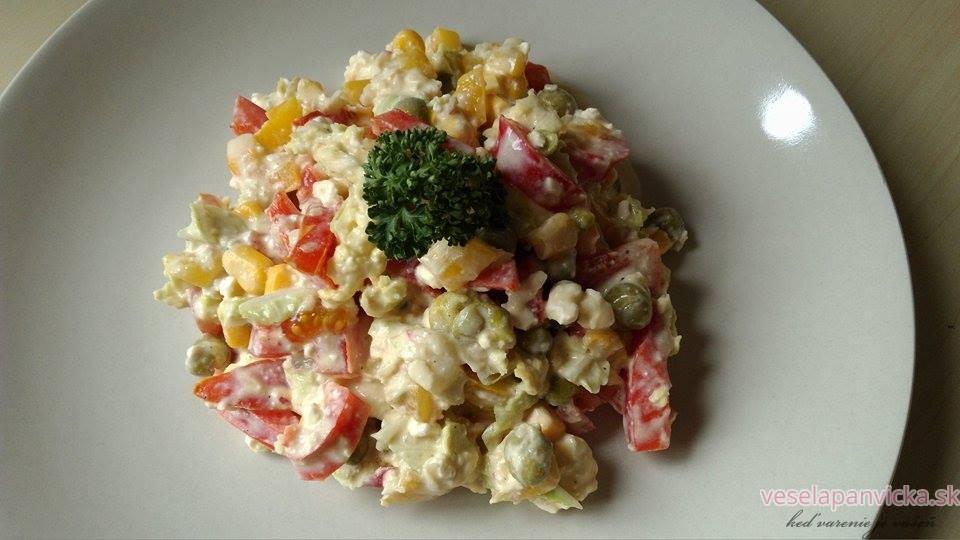 farebny zeleninkovy salatik