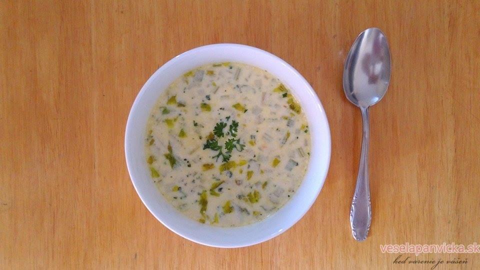 mliecna polievka s kukuricou a stonkovym zelerom
