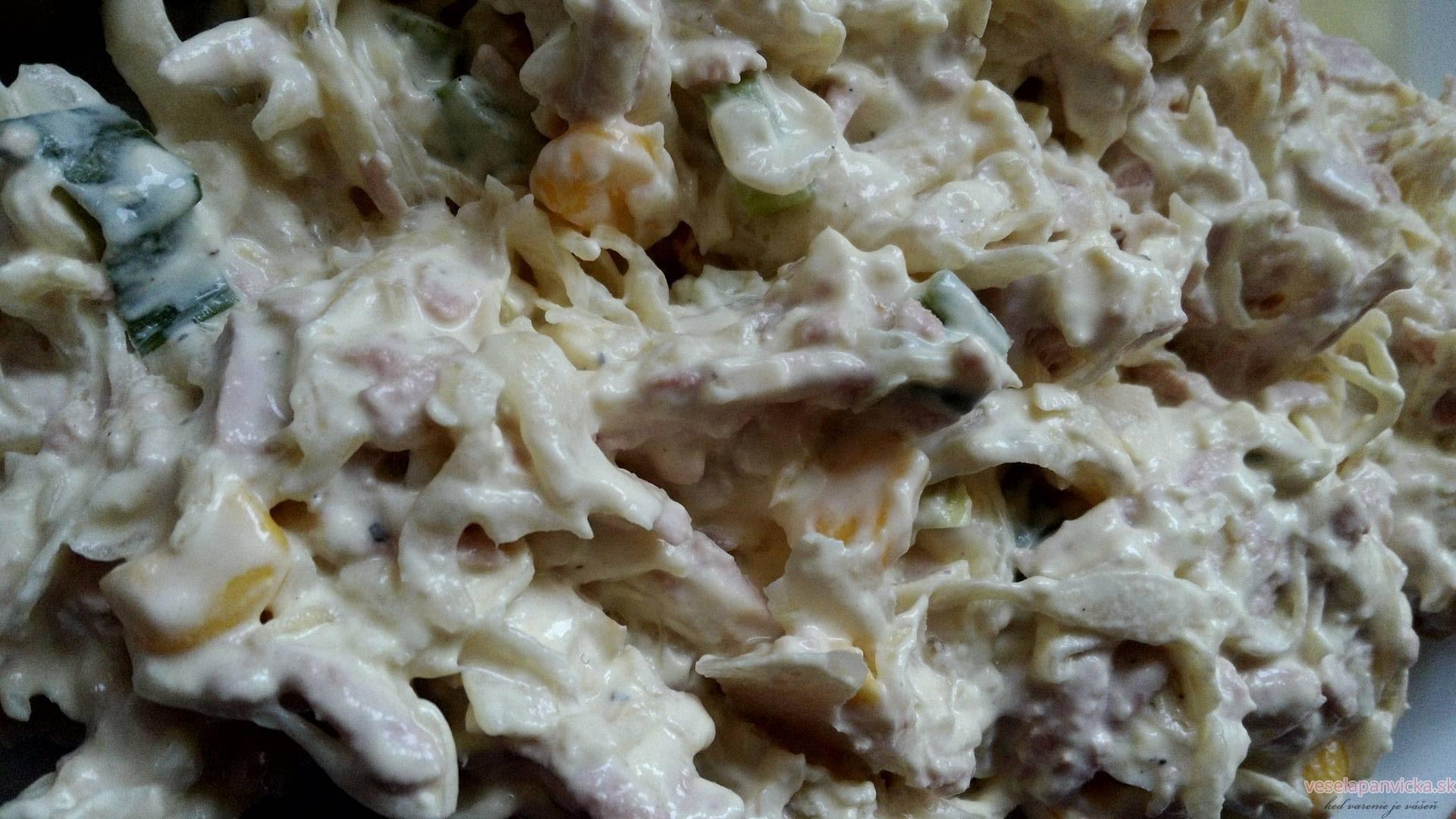 salat z kyslej kapusty