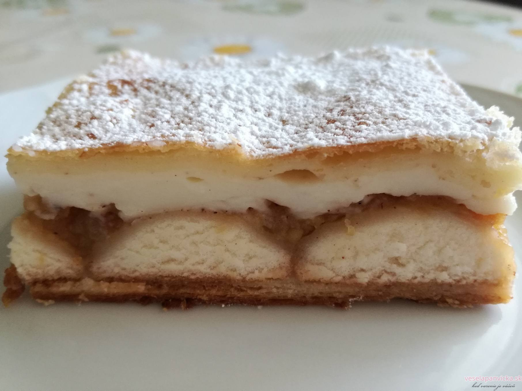jablkovy kolac s piskotami a pudingom_3
